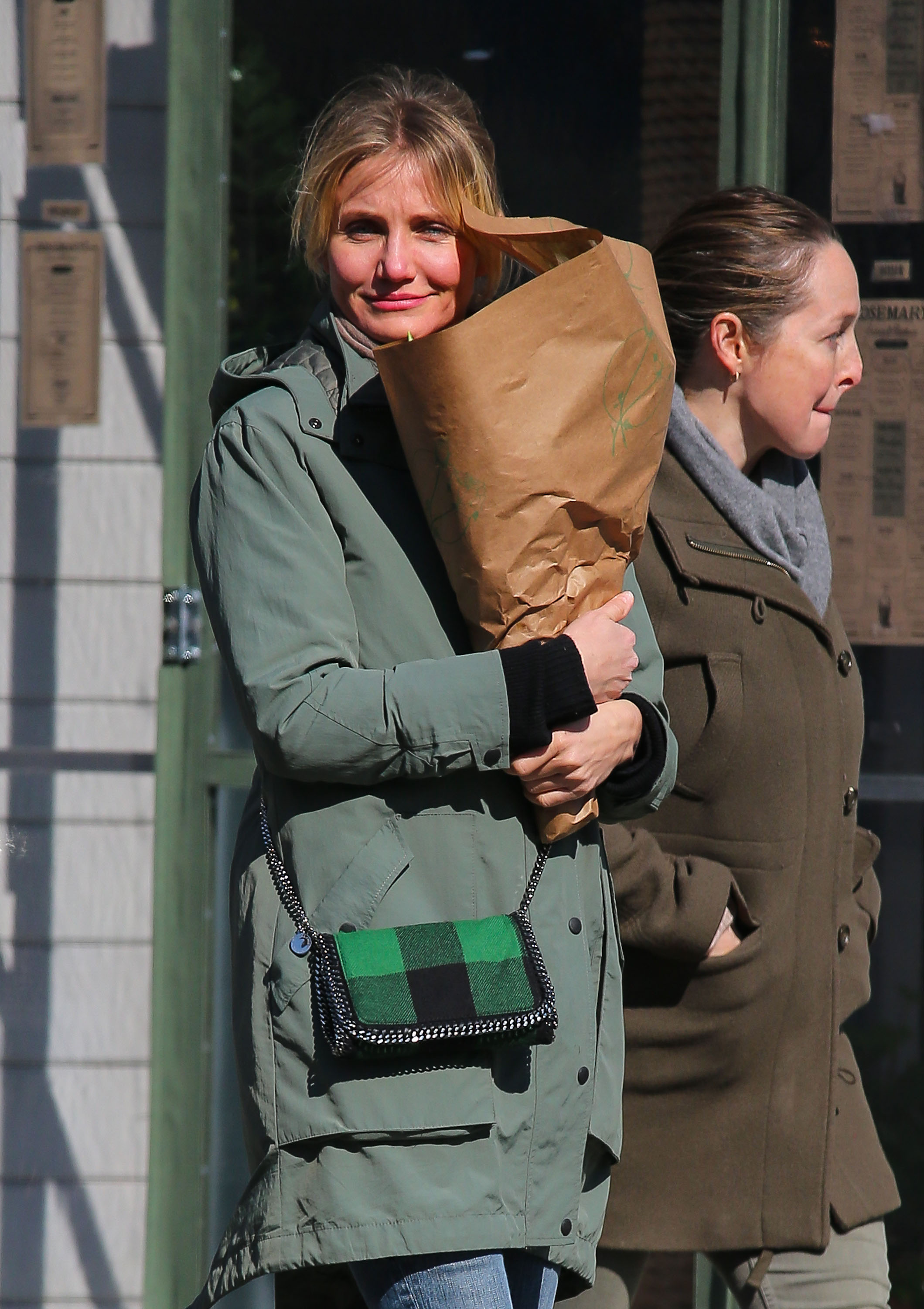 Cameron Diaz picked up a bouquet of flowers in NYC.