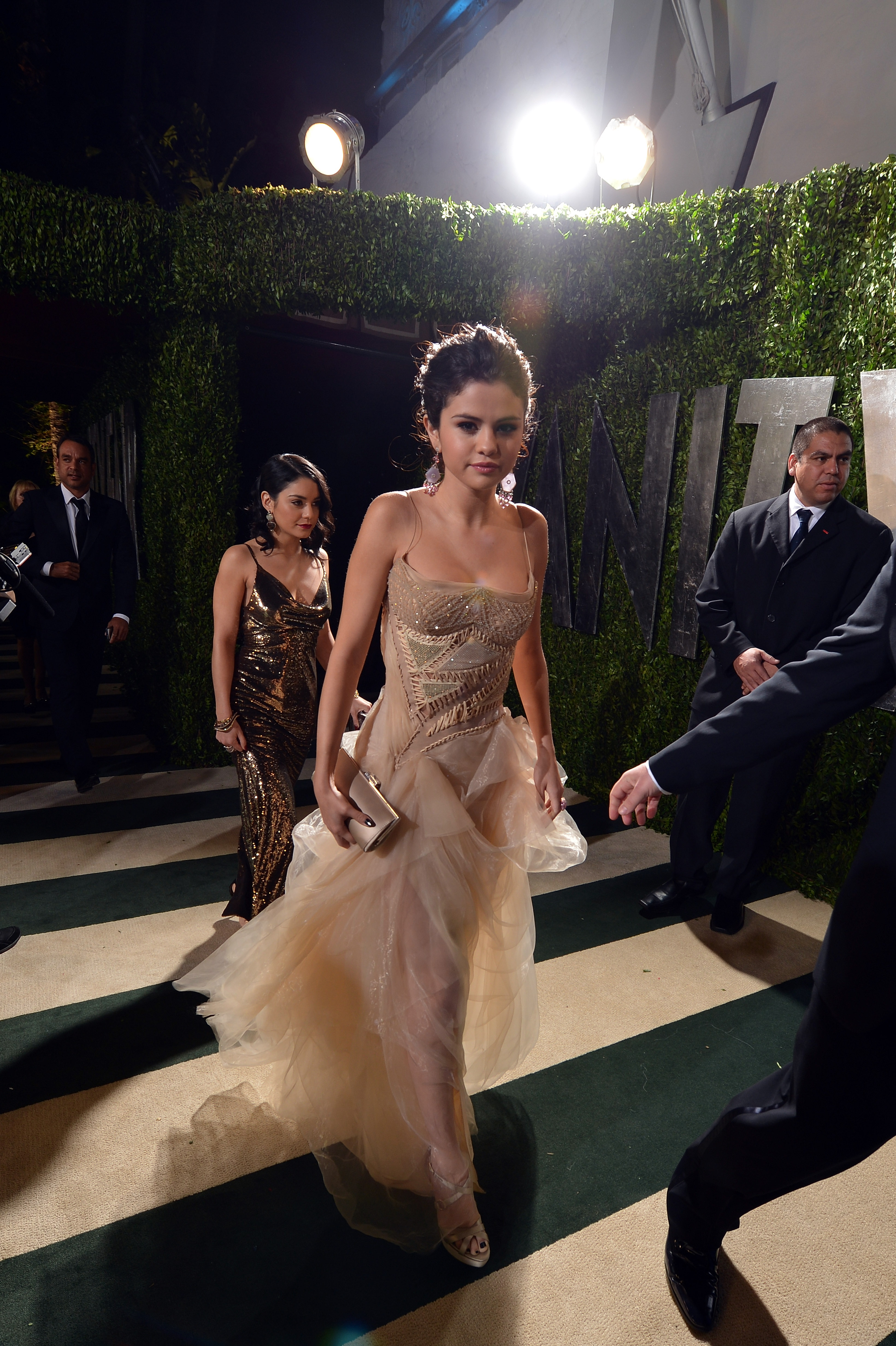 Selena Gomez arrived at the Vanity Fair Oscar party on Sunday night.