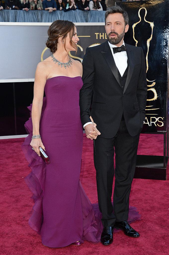 Ben Affleck and Jennifer Garner held hands on the Oscars red carpet.