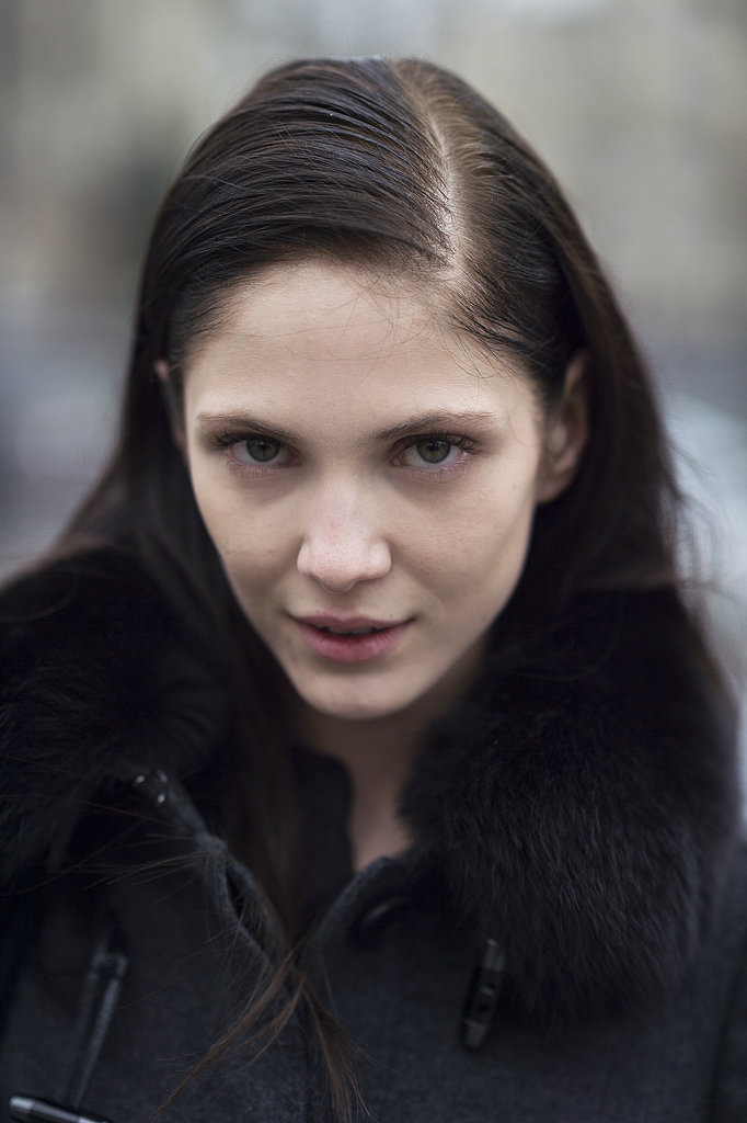 Maria Flavia showcased an on-trend deep side part while out and about in Paris. Source: Le 21ème   Adam Katz Sinding