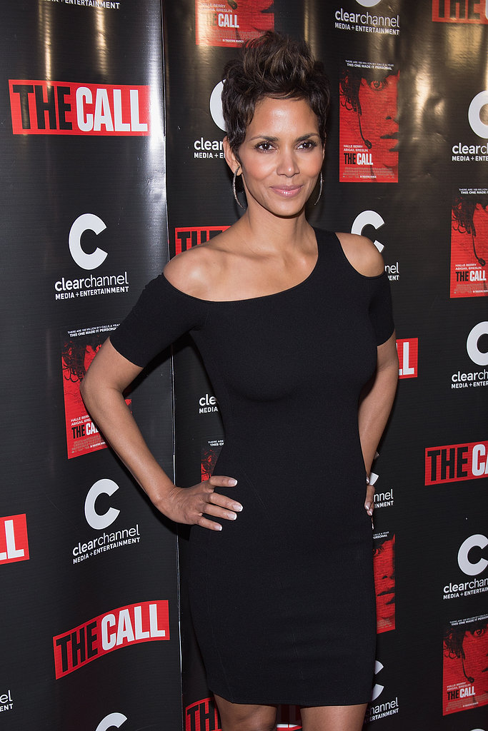 Halle Berry posed on the red carpet in Chicago for the premiere of The Call.