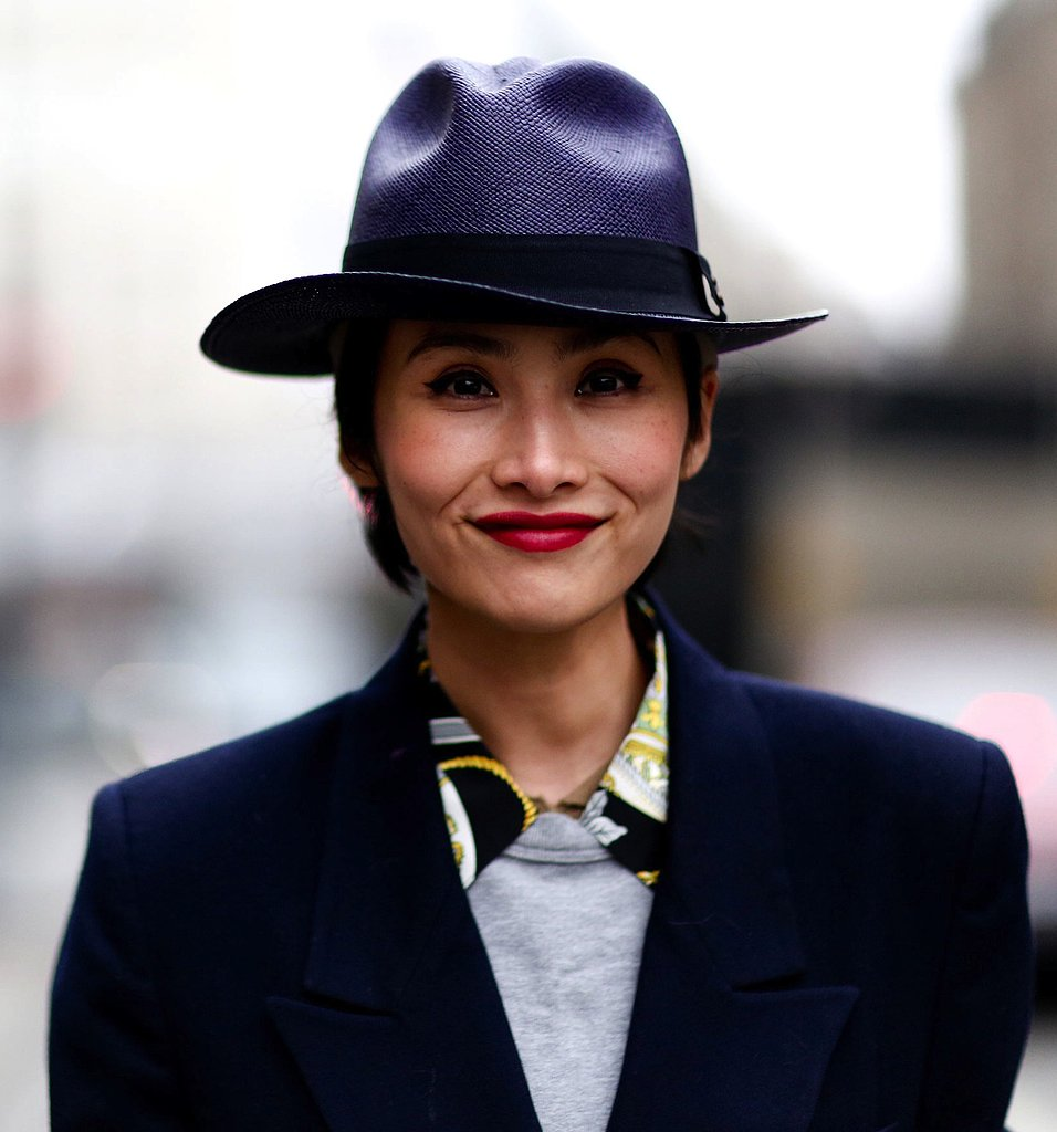Between the cool fedora hat and sharp collar, we can't get enough of this slick ensemble.