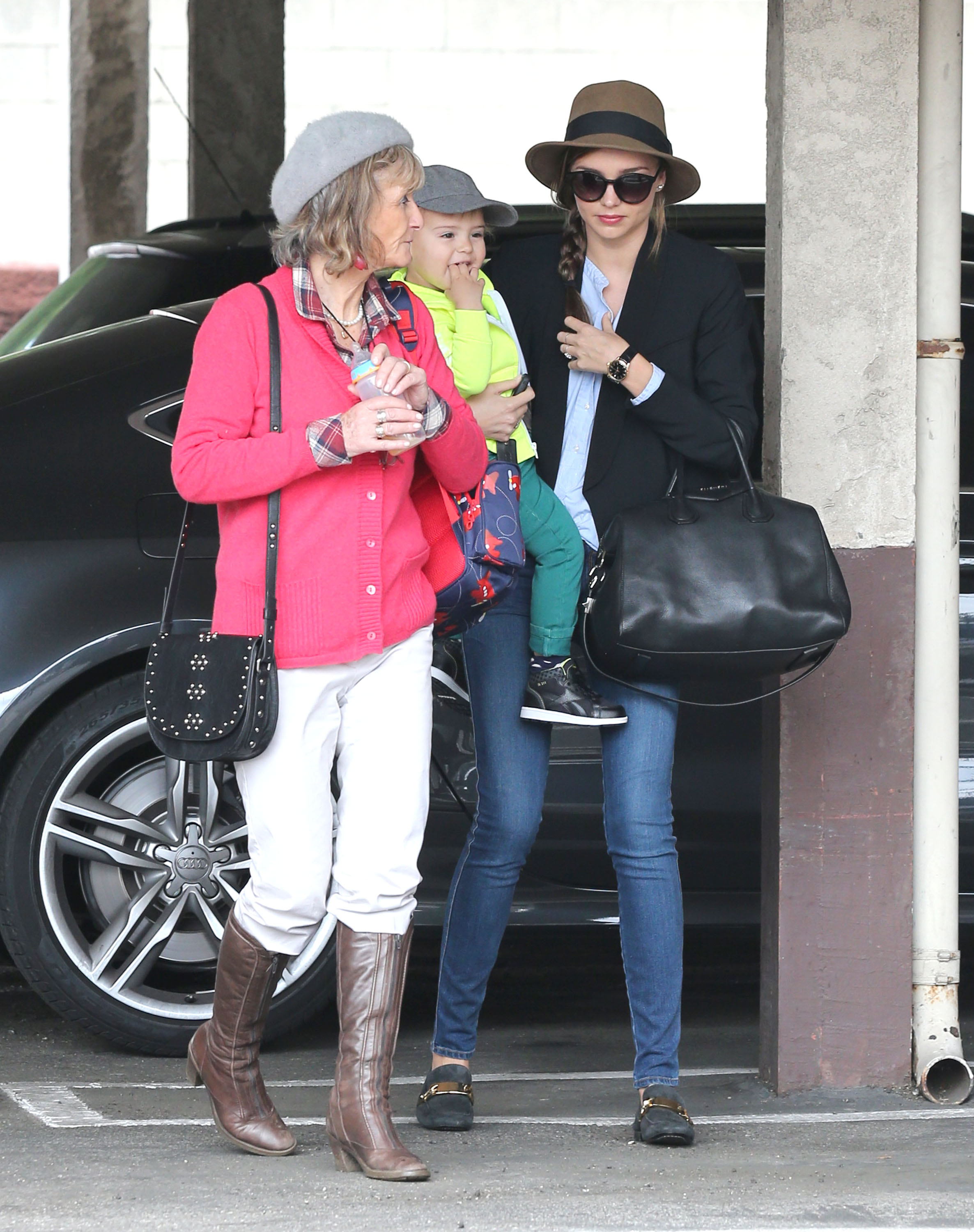 Miranda Kerr and Flynn visited a gym with Orlando Bloom's mom.