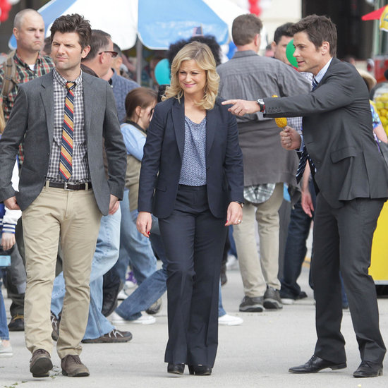 Amy Poehler Filming Parks and Recreation at a Carnival