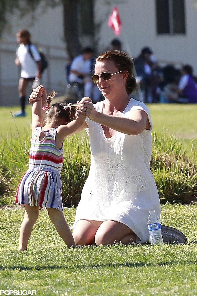 Britney Spears played with a friend's kid.