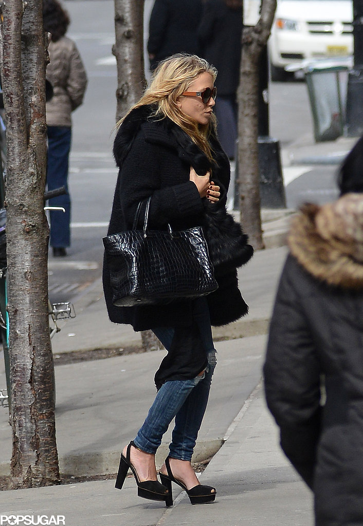 Mary-Kate and Ashley Olsen Step Out For a Stylish Meeting