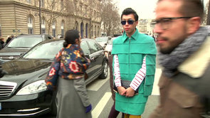 60 Seconds of Street Style From Paris Fashion Week