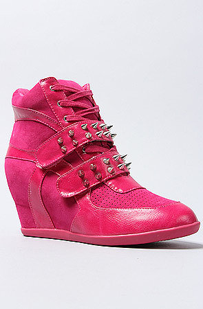 *Sole Boutique The Mod Sneaker in Fuchsia