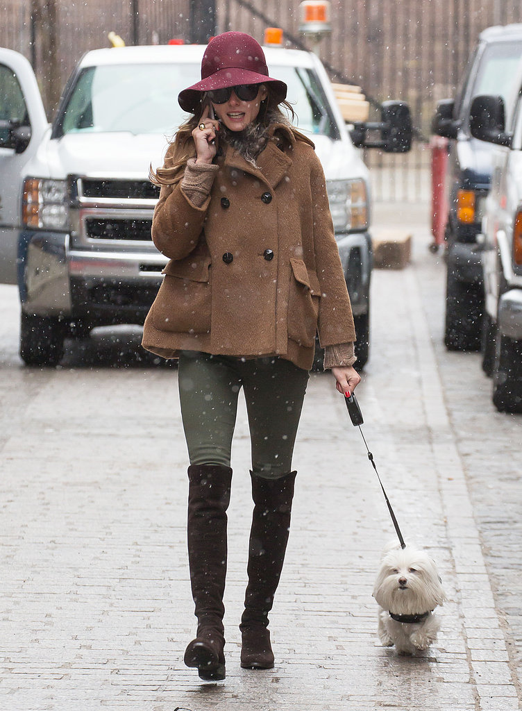 Olivia (stylishly) braved the March snow in NYC in a cropped peacoat, olive skinnies, and a pair of over-the-knee Stuart Weitzman boots.