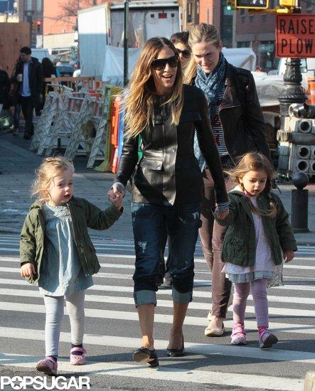 SJP Returns From Toronto For Double Mom Duty
