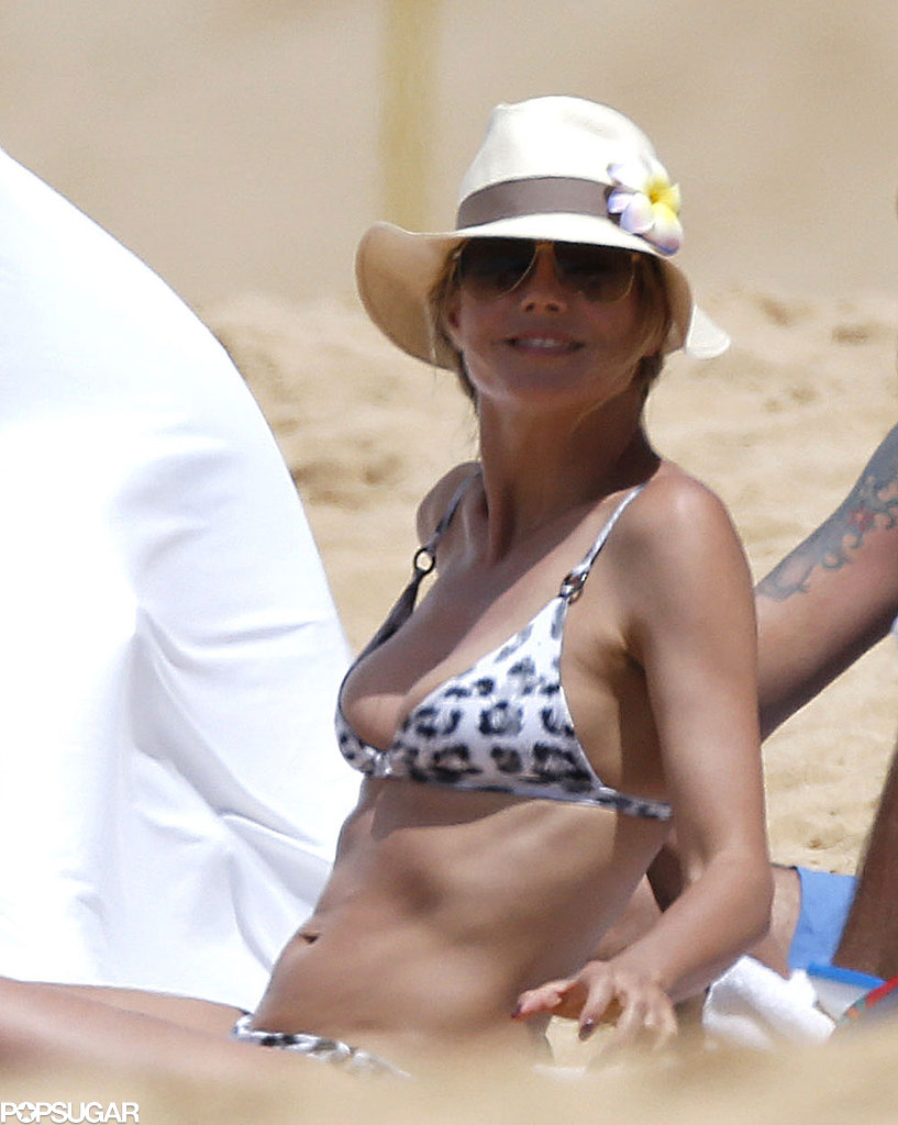 Heidi Klum smiled in the sand while vacationing in Hawaii with her family.