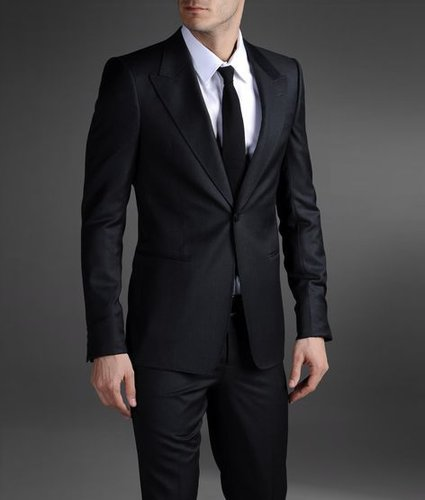 One-Button Suit With Peak Lapels