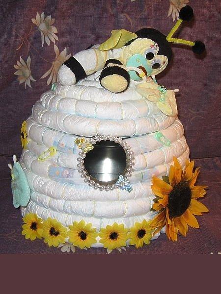 How To Make A Bee Hive Diaper Cake