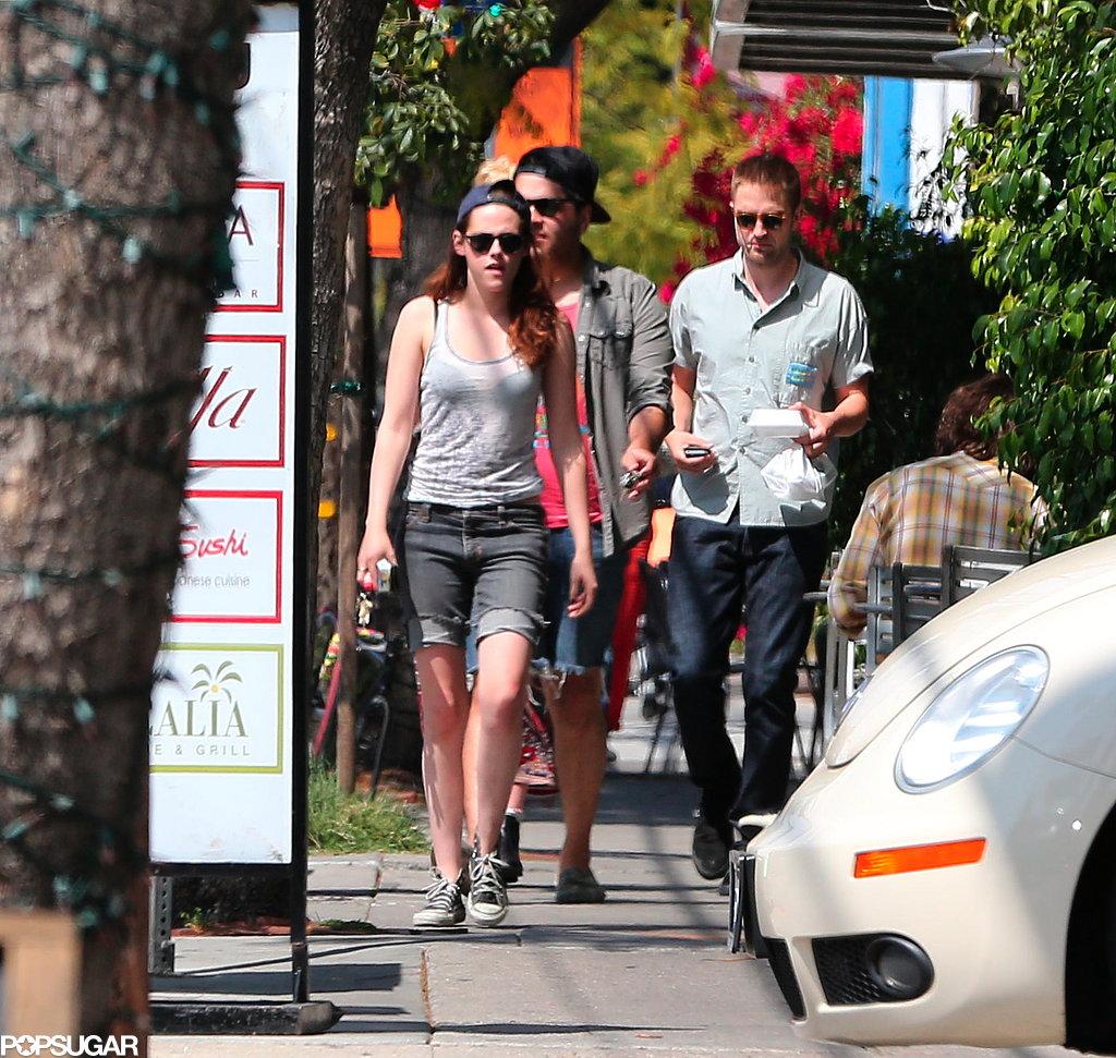 Robert Pattinson and Kristen Stewart met up with friends for sushi.