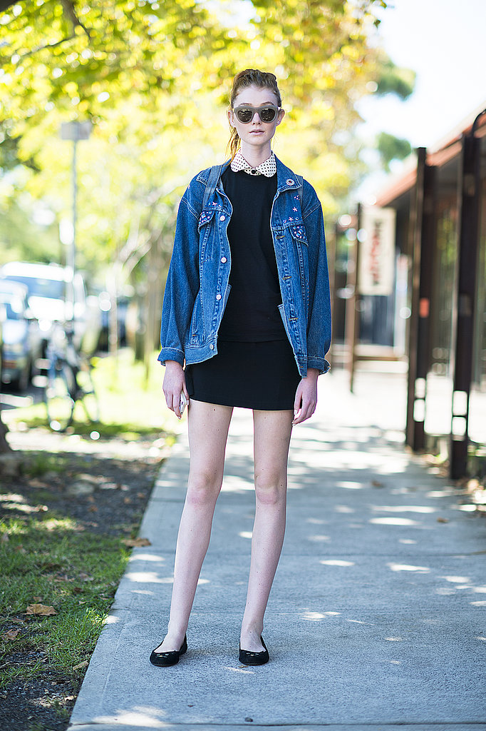 This showgoer gave her LBD a tomboy touch with an oversize denim jacket. Source: Le 21ème   Adam Katz Sinding