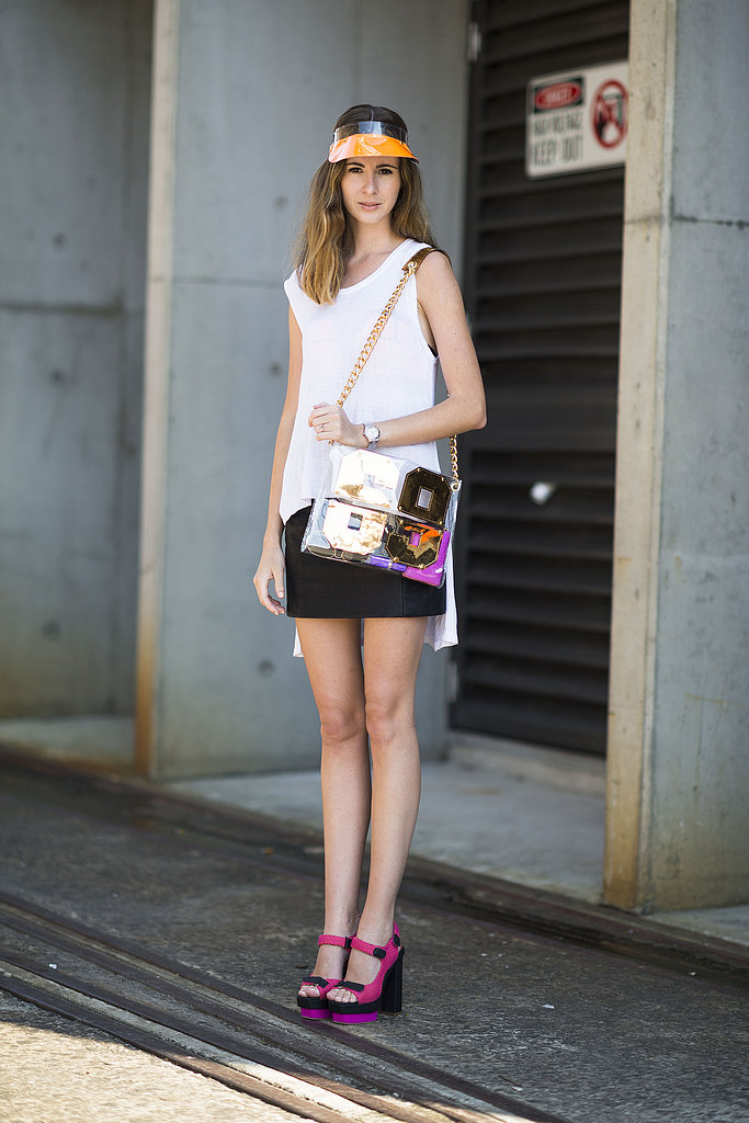 This showgoer punched up simple separates with high-impact add-ons. Source: Le 21ème   Adam Katz Sinding