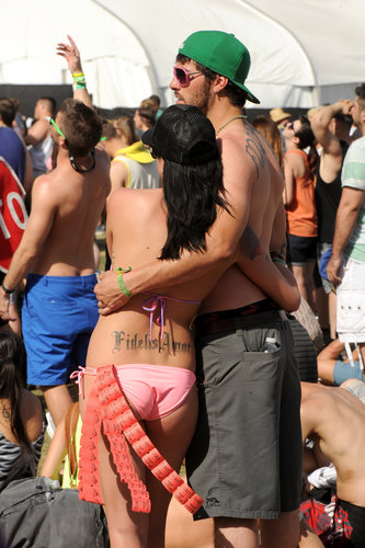 A couple embraced at Coachella.