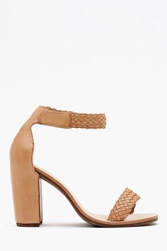 Favor Sandal