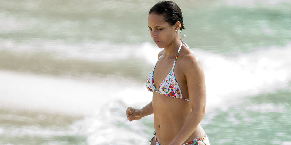 Alicia Keys Heats Up a Bahamas Beach in Her Bikini