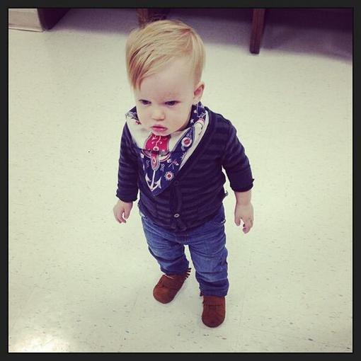 Hilary Duff shared a photo of her adorable son, Luca Comrie, wearing a bandana. Source: Twitter user HilaryDuff