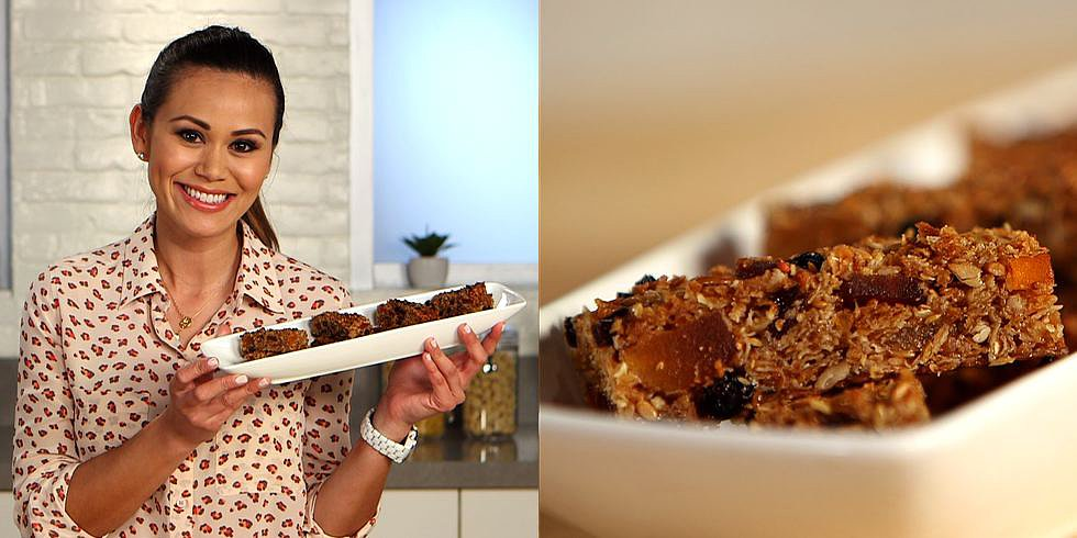 A FLOTUS-Approved Chewy Granola Bar Recipe