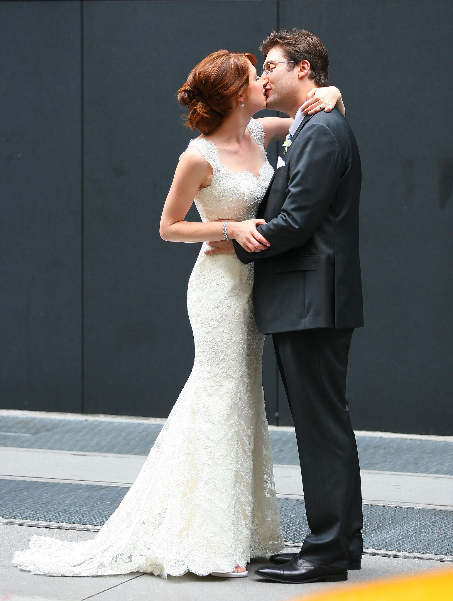 Ellie Kemper got married to Michael Koman in NYC in July 2012.