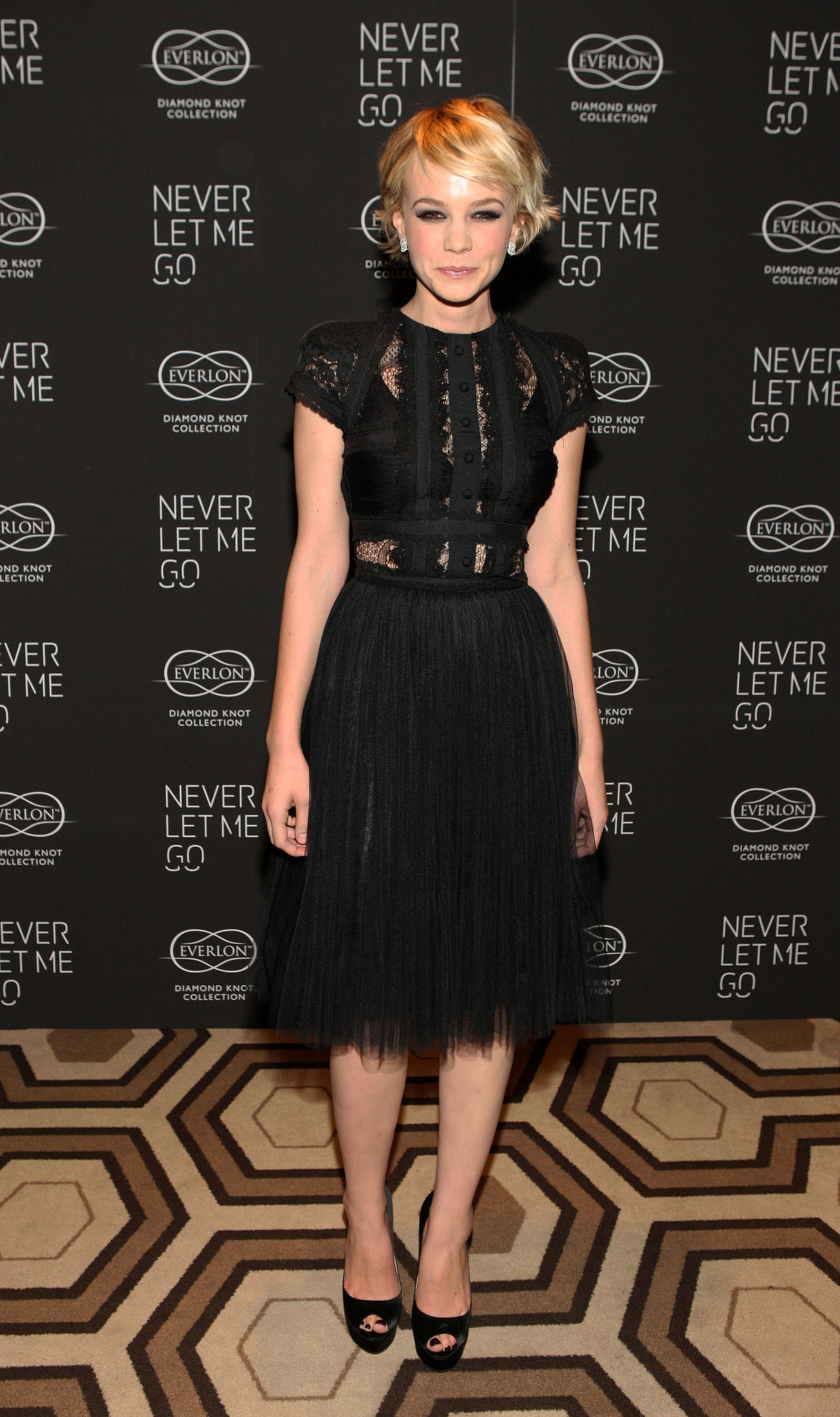 Carey Mulligan in Lace Elie Saab at the 2010 Never Let Me Go NYC Premiere