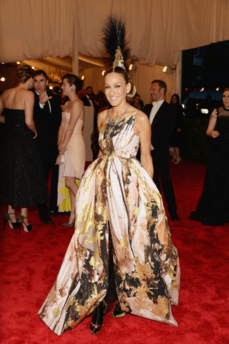 Sarah Jessica Parker delivered the most drama in a printed Giles gown, Christian Louboutin boots, and a Philip Treacy headpiece.