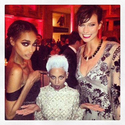 Nicole Richie was in the middle of a model sandwich as she hung out with Jourdan Dunn and Karlie Kloss inside the Met Gala. Source: Instagram user nicolerichie