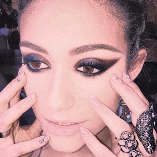 We can't get enough of Emmy Rossum's punktastic makeup and manicure. Source: Instagram user emmyrossum