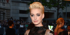 How to Go From Brunette to Blonde, à la Anne Hathaway