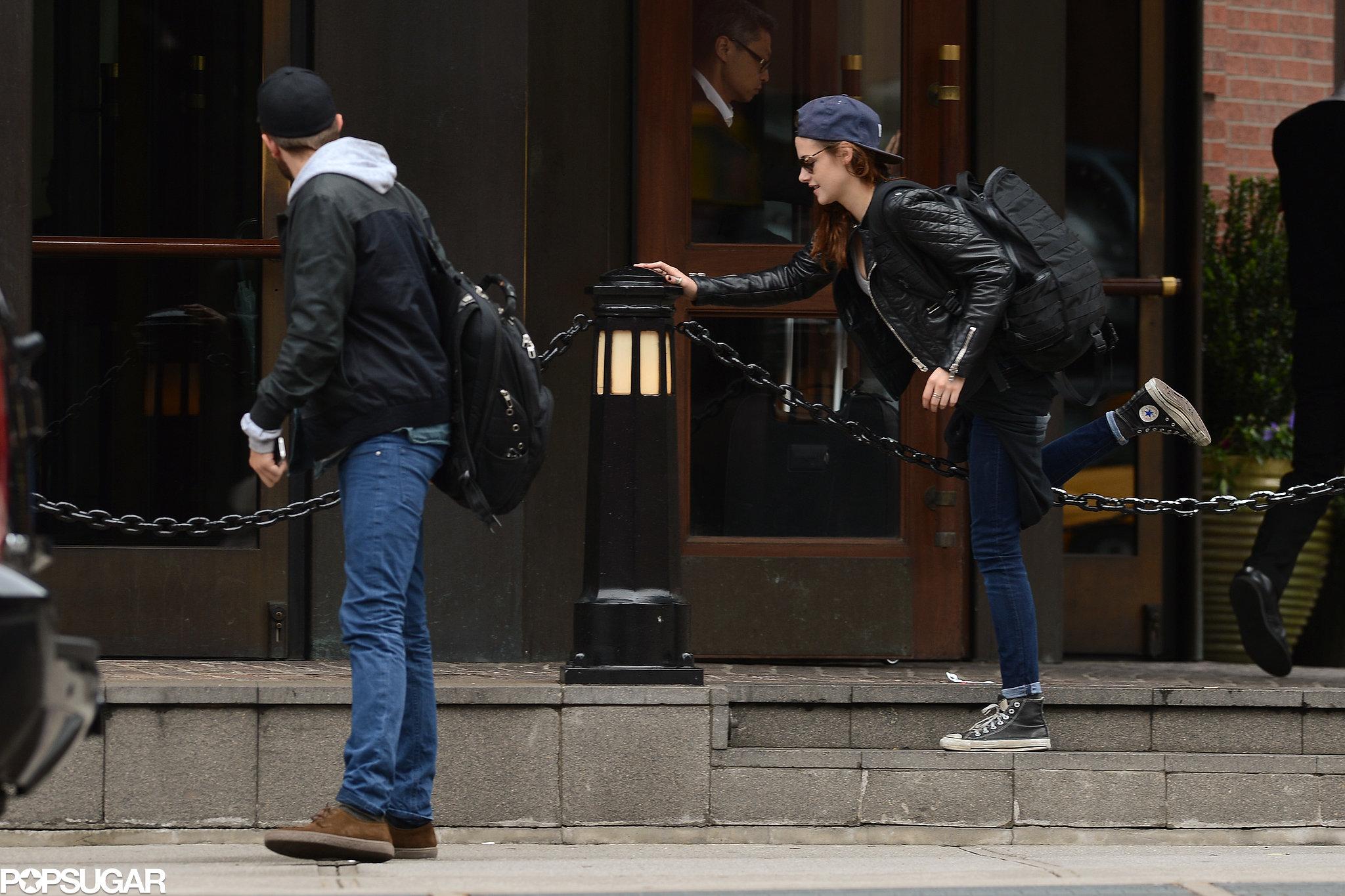 Robert Pattinson and Kristen Stewart left their NYC hotel.