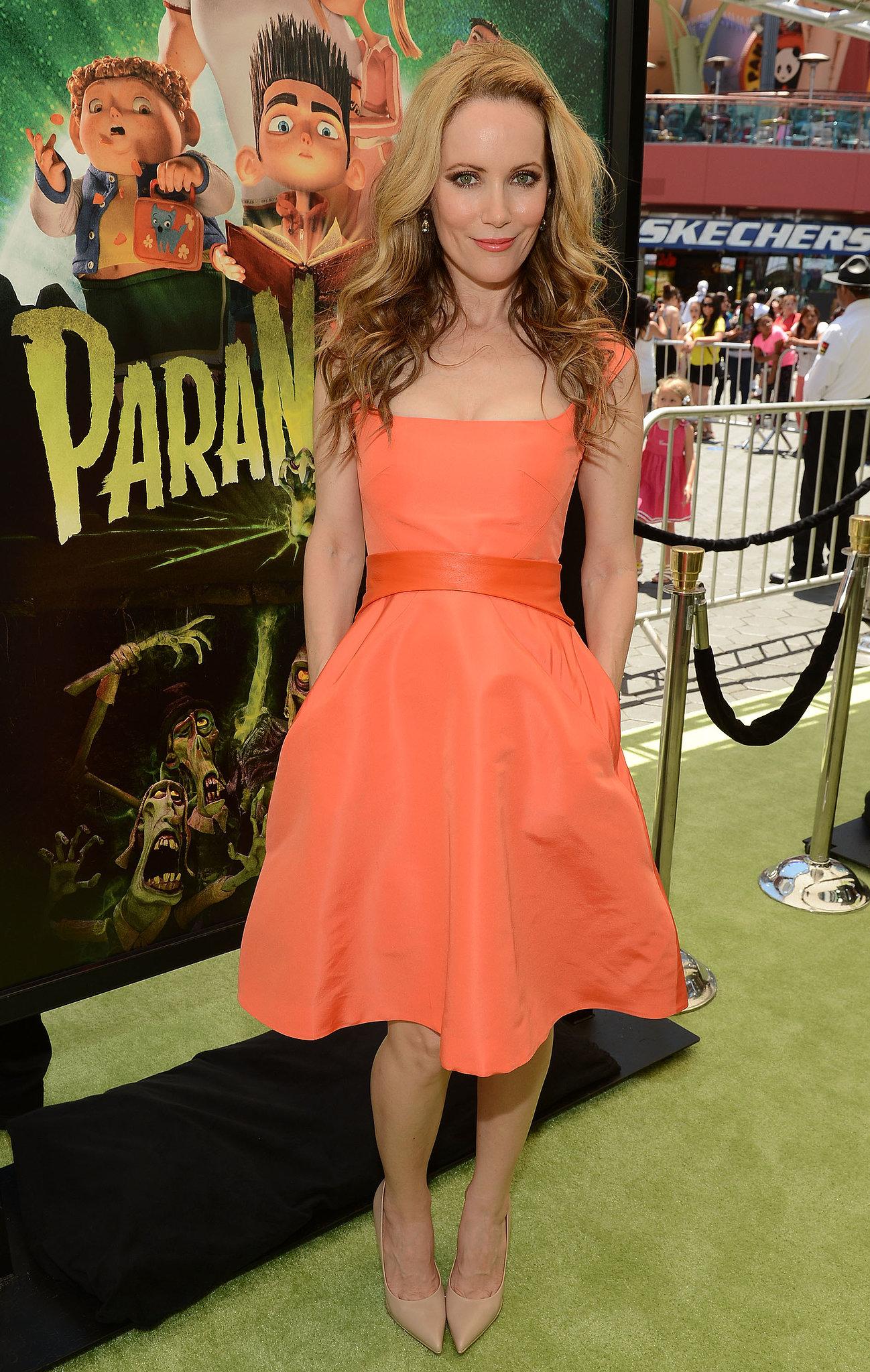 Leslie Mann dress