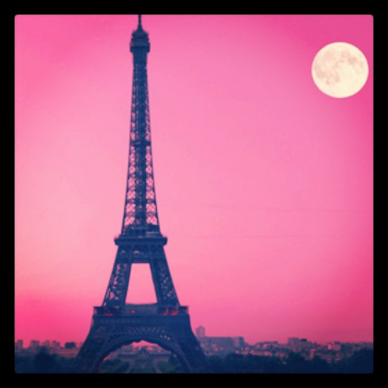 Travel Tips For a Romantic Trip to Paris