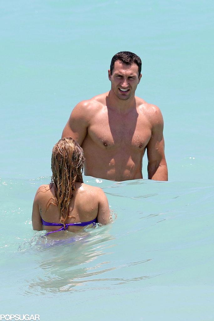 Hayden Panettiere swam with Wladimir Klitschko.