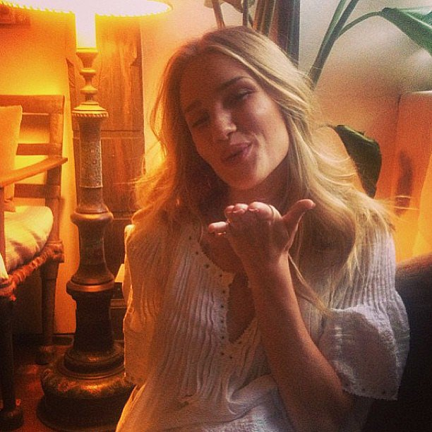 Rosie Huntington-Whiteley blew a kiss to her fans. Source: Instagram user rosiehw