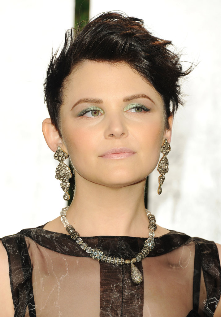 But at the Vanity Fair Oscar party that year, Ginnifer added a touch of color to her formal fashion, wearing lime green metallic eye shadow.