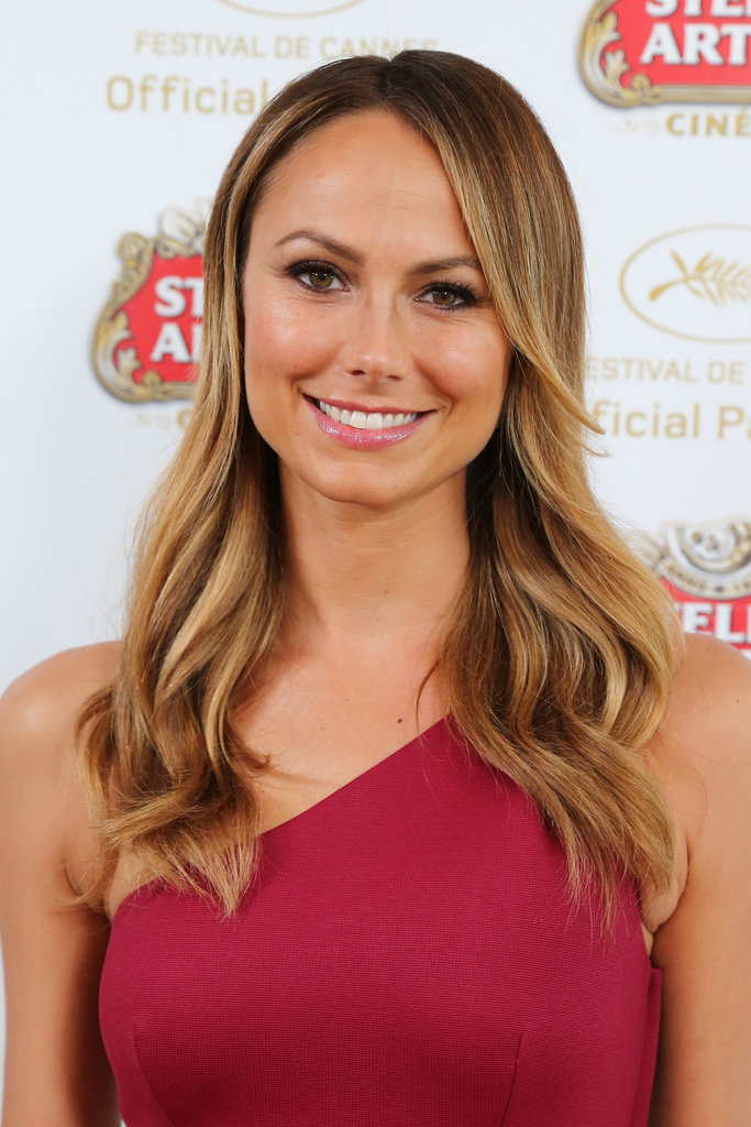 Stacy Keibler was spotted at the Stella Artois Suite at Cannes with  loose, beachy waves and a bright pink lipstick.