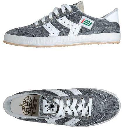 TST Sneakers