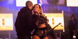 Video: Beyoncé and Jay-Z Kiss in Front of 50,000 People at Chime For Change Event!