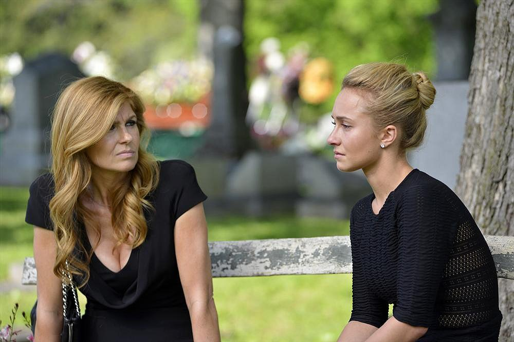 Nashville What happens:  Deacon breaks his sobriety after learning Rayna's older daughter, Maddie, is his. Peggy tells Teddy that she's pregnant. Gunnar proposes to Scarlett. Juliette comes to terms with her mother's death.  Most shocking moment: Rayna and Deacon get into a car accident.