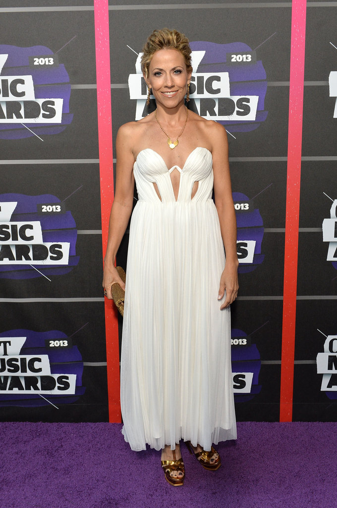 Sheryl Crow posed on the red carpet at the CMT Awards.