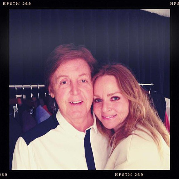 Stella McCartney and her dad, Paul, snapped a cute photo before his Brooklyn, NY, concert. Source: Instagram user stellamccartney