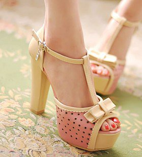 On foot was thin Princess Fan elegant bow carved holes thick with sandals_Sandals_Fashion shoes_Mili fashion Trade Co.Ltd