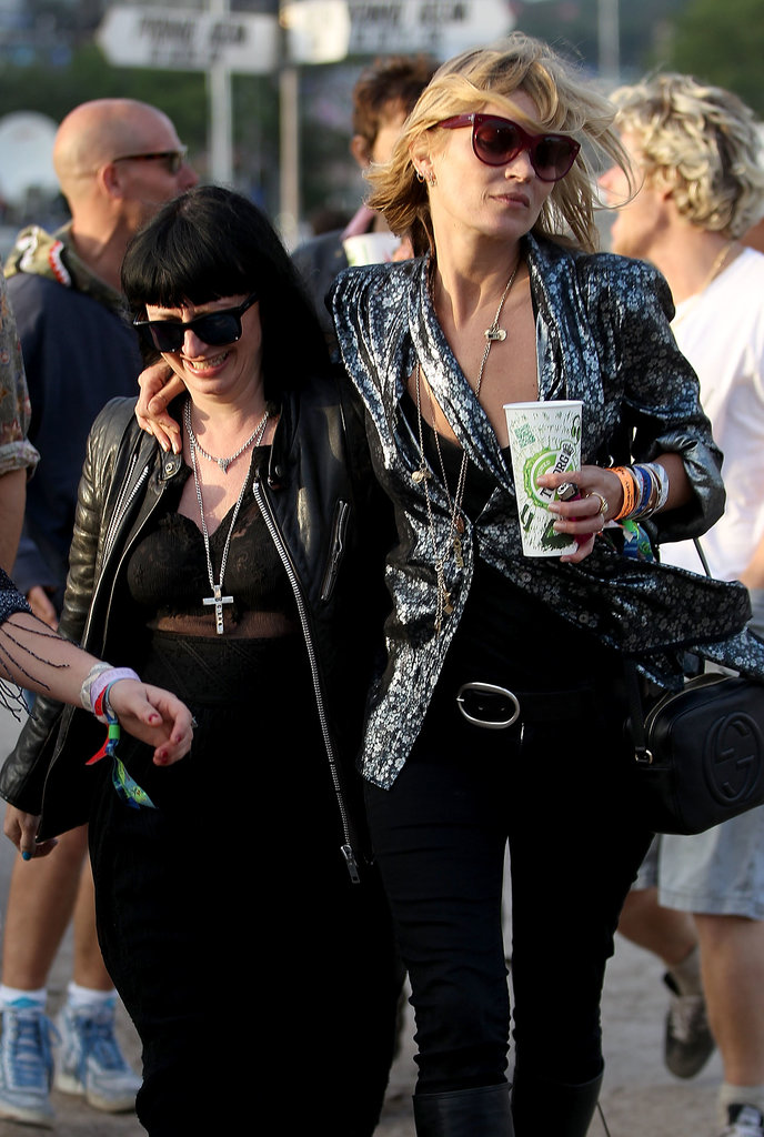 Glastonbury superstar Kate Moss has her festival look perfected by now — a simple black tank and skinny jeans were topped by a standout blazer that looked part fashion, part rock.