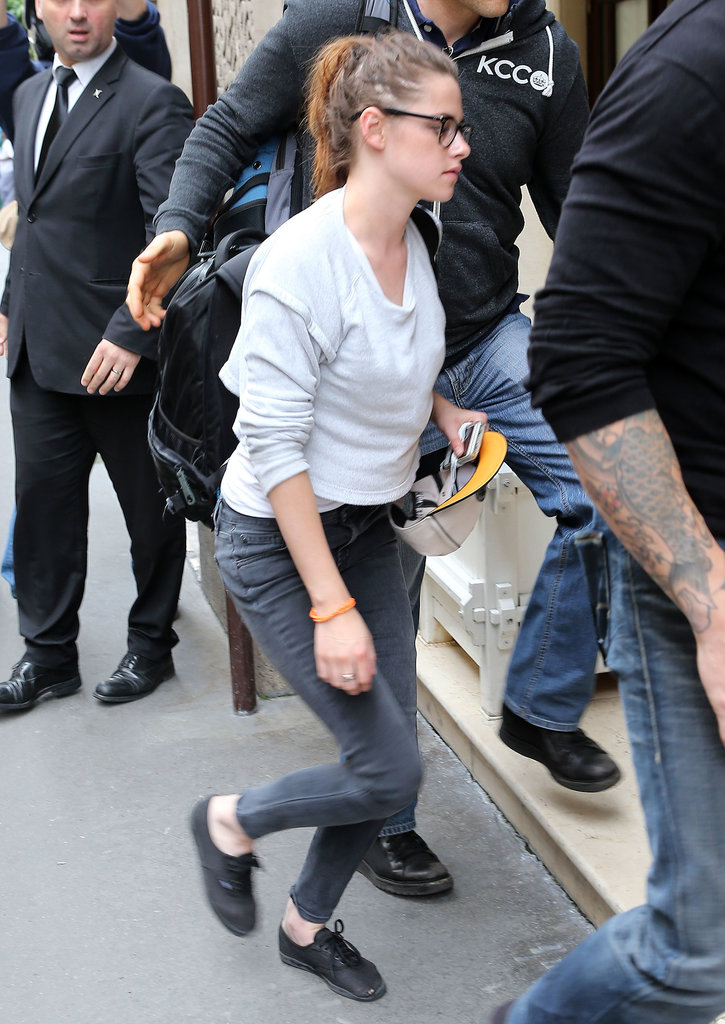 Kristen Stewart Lands in Paris!