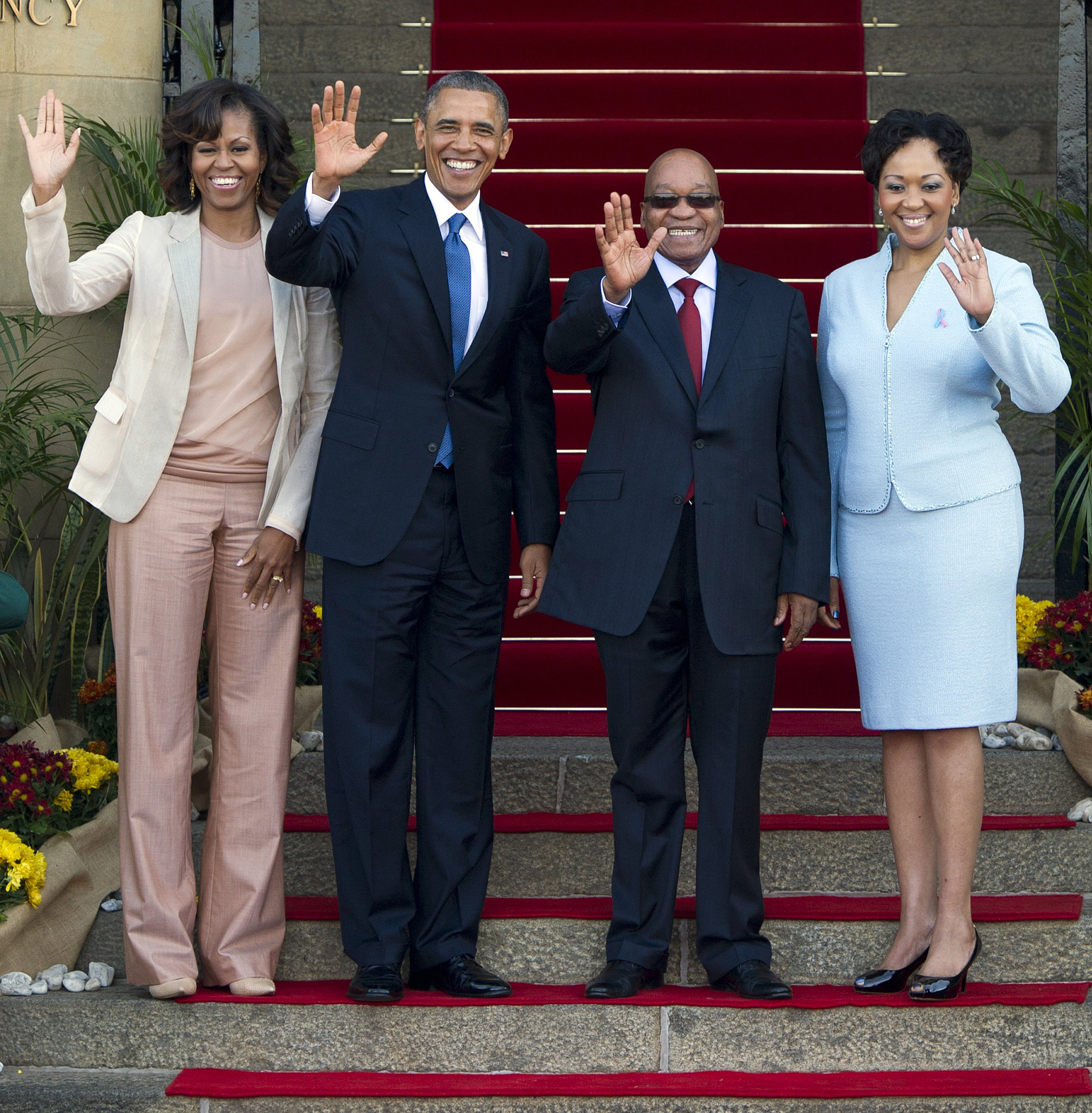 The first lady tried out a more relaxed silhouette as she and President Obama stood alongside South African President Jacob Zuma and his wife Thobeka Madiba-Zuma.