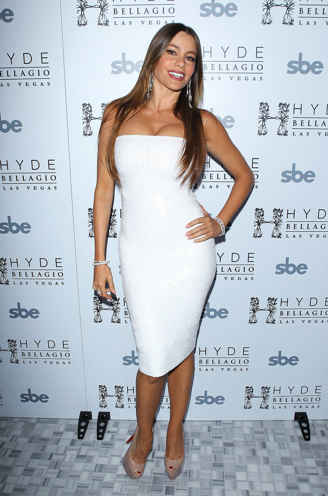 Sofia looked white-hot while ringing in the new year in a strapless sequined dress and nude peep-toes at Hyde Bellagio's nightclub in Las Vegas.