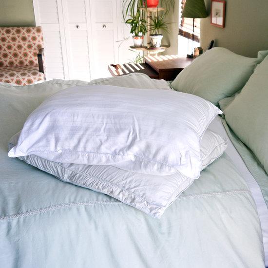 How to Naturally Whiten Pillows