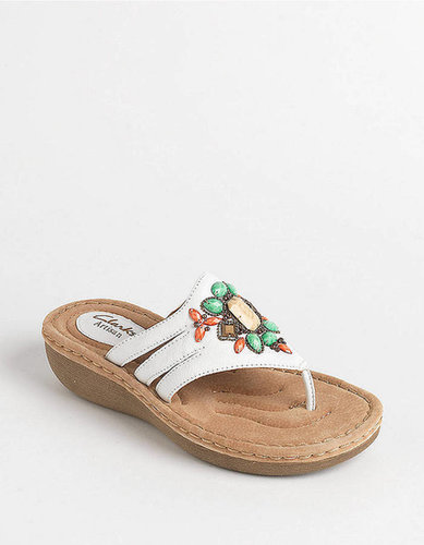 CLARKS Amaya Yarrow Wedge Sandals